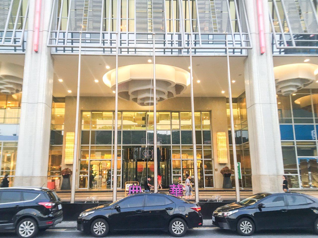 前總統陳水扁今天傍晚在大直典華參加簽書會及募款餐會。記者蔡翼謙/攝影