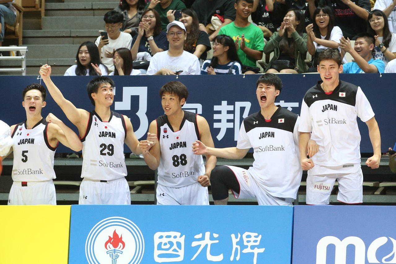 日本在決勝節打出氣勢。記者葉信菉/攝影