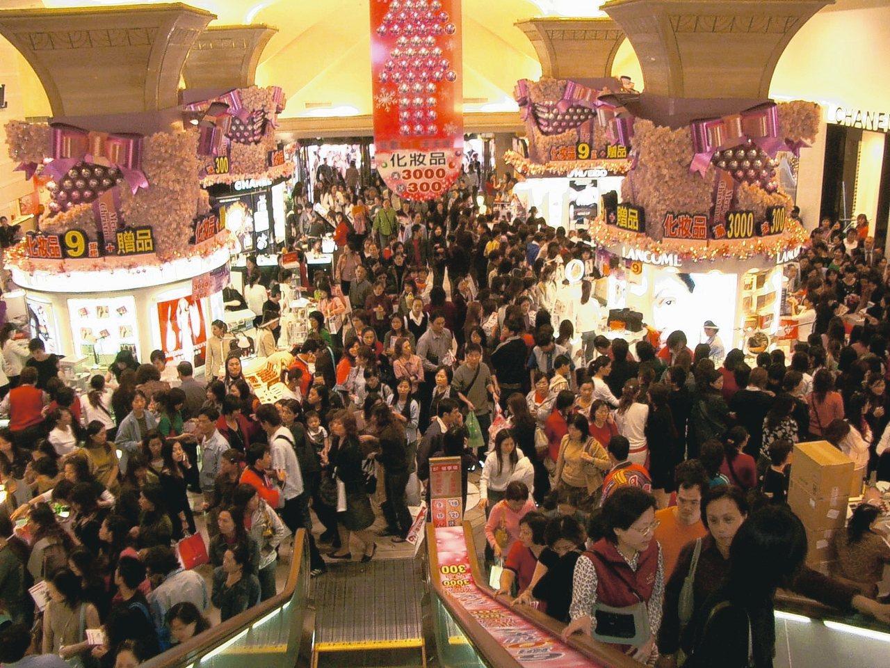 看好韓流效應下的南台灣內需消費市場,百貨、美妝、餐飲業紛紛加碼投資。 聯合報系資...