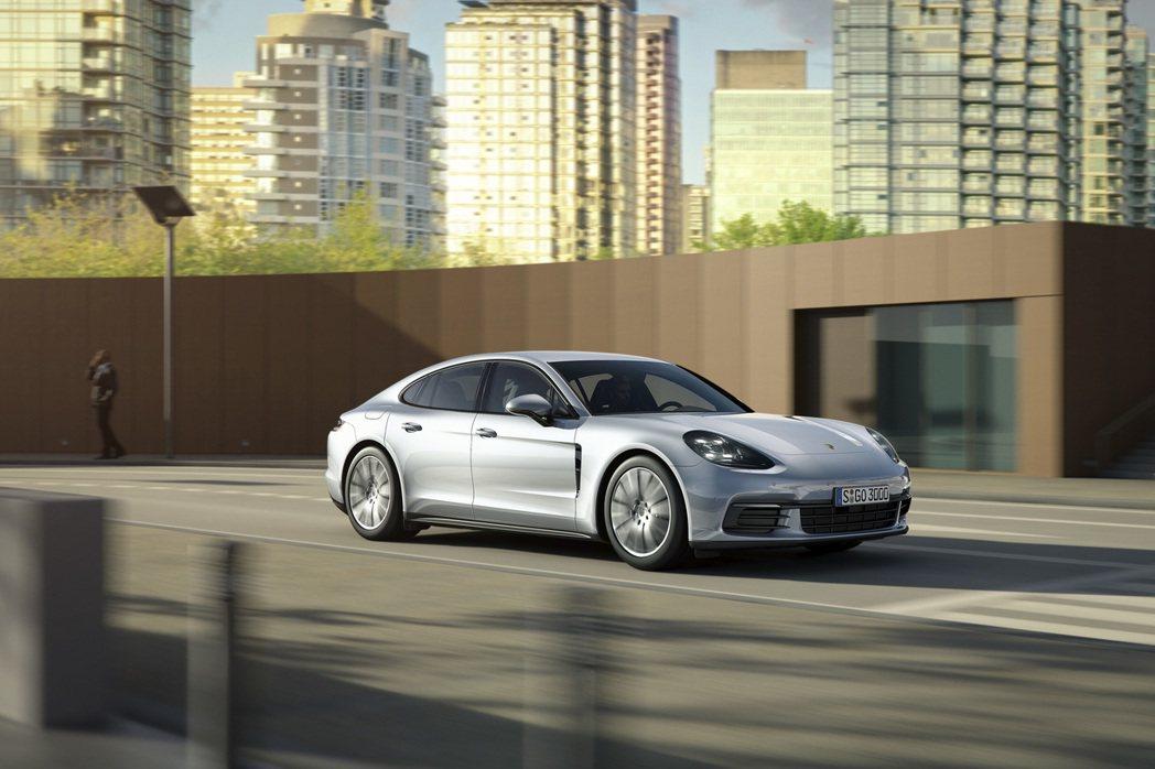 Panamera車系問世屆滿10週年之際,台灣保時捷特別限量推出「Porsche...