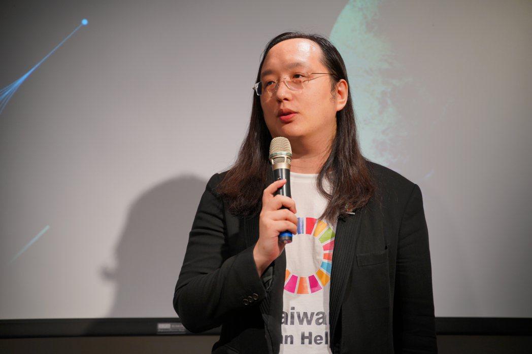 行政院數位政委唐鳳到場致詞、唐鳳同時也是《倡議+》今年一月的客座總編,唐鳳表示,...