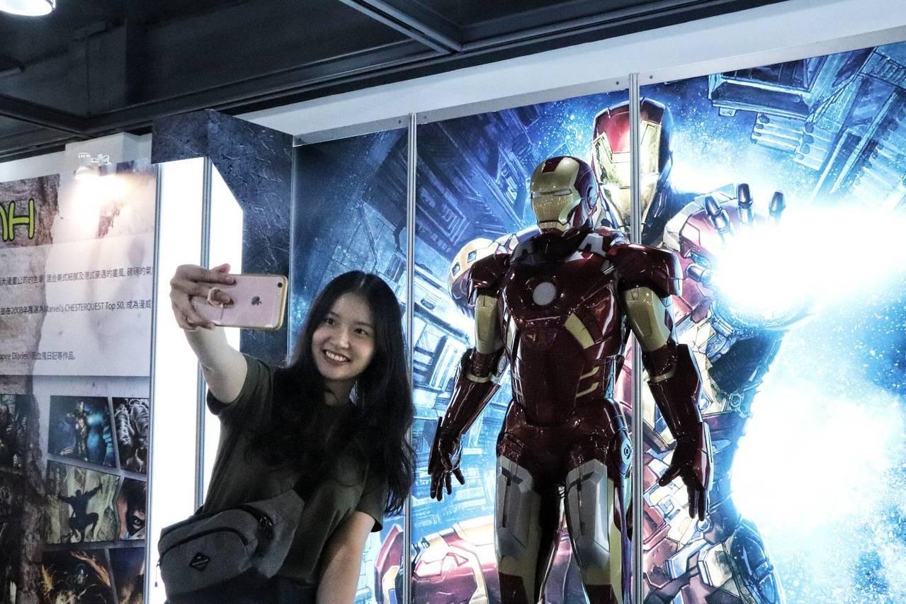 國際動漫展開幕 一比一Marvel英雄公仔超吸睛