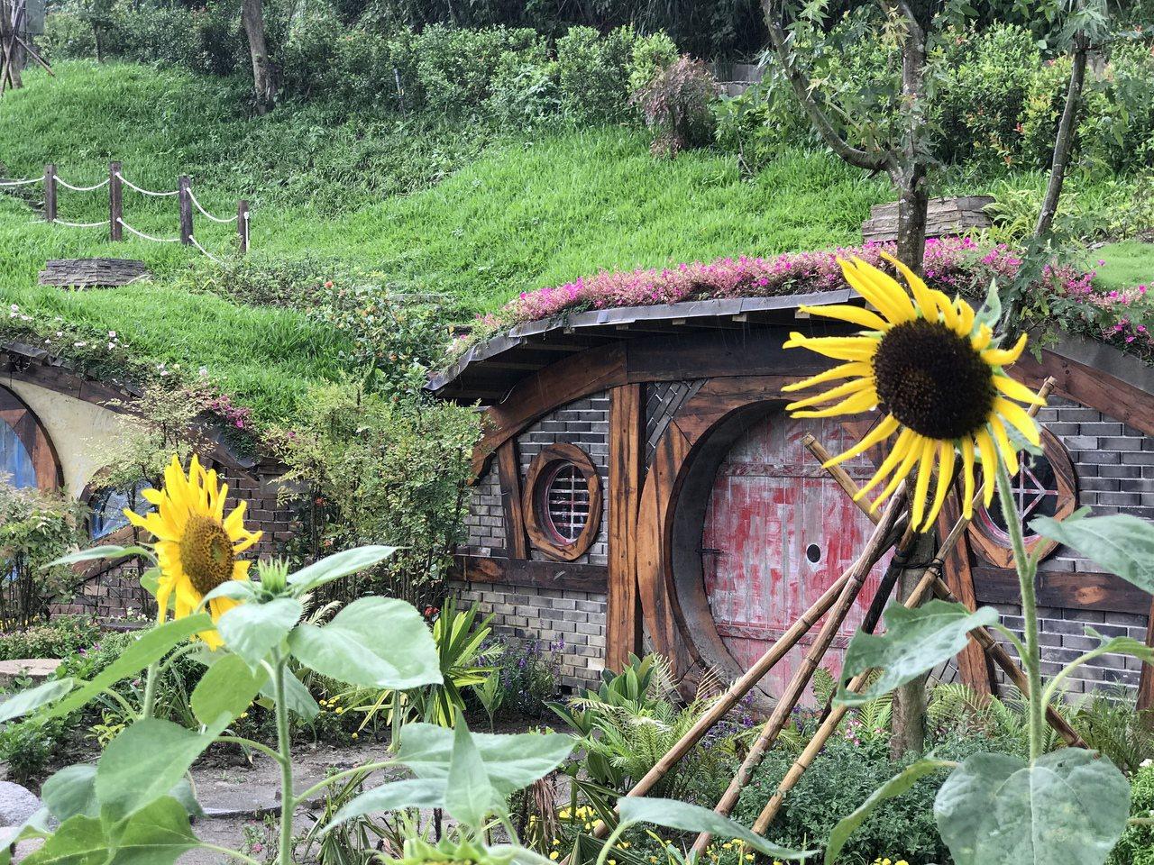 苗栗縣銅鑼山區「哈比丘」,走進園區,宛若來到迷你夢幻童話世界。記者劉星君/攝影