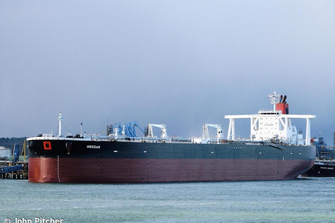伊朗一日扣押兩艘英國油輪! 其中一艘已放行