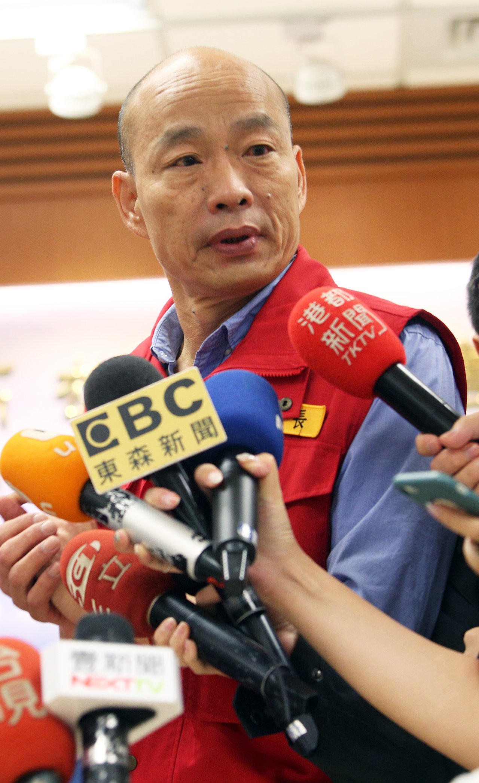 高雄市長韓國瑜昨天進駐防災中心瞭解各地災情。記者劉學聖/攝影