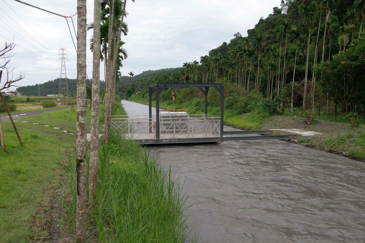 位在三星鄉安農溪上游的台電公司蘭陽發電廠,成功研製「流速型微型水力發電設備」,架...