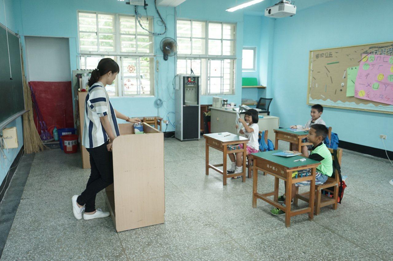 今年新上路的偏遠地區學校教育發展條例規定,偏鄉老師必須服務滿6年以上,有利師資穩...