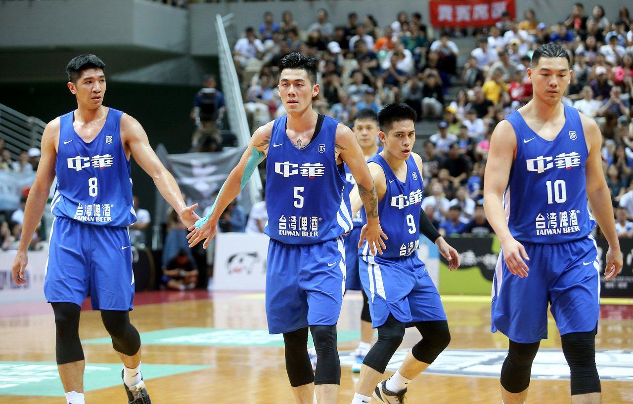 中華藍不敵菲律賓吞第二敗。記者余承翰/攝影