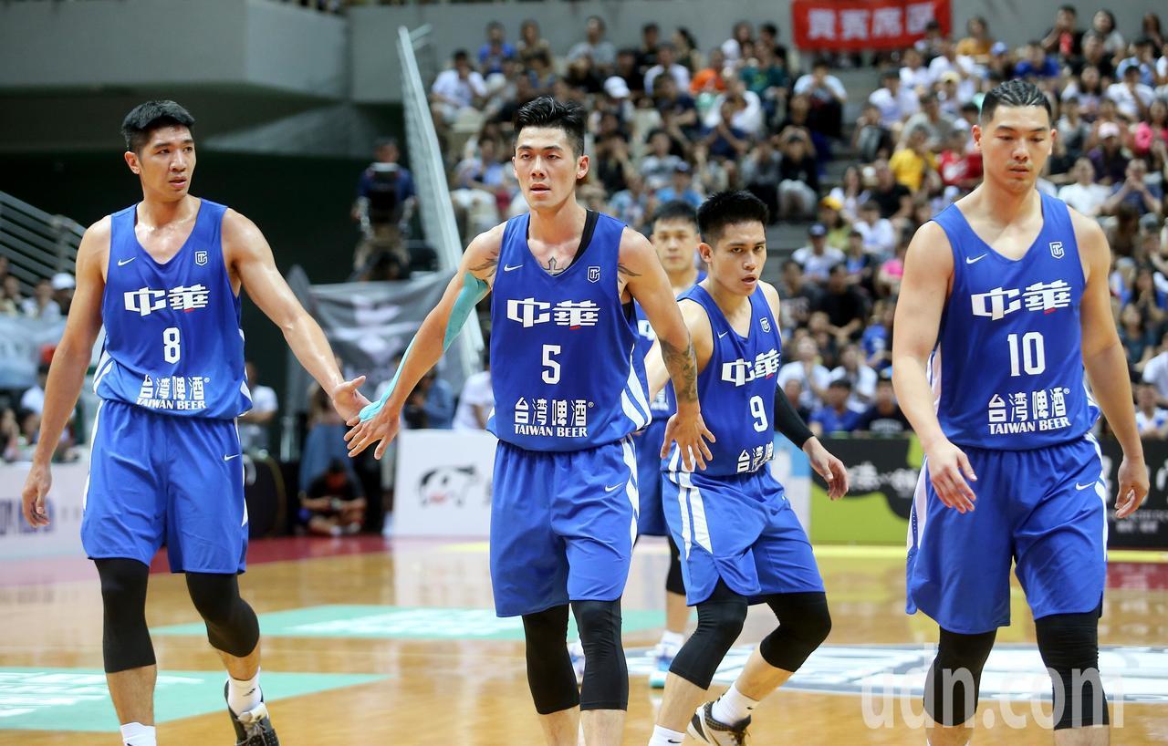 中華藍以74比97不敵菲律賓隊。記者余承翰/攝影