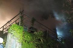 北市大火燒民宅 婆媳獲救但媳婦失去心跳仍在搶救