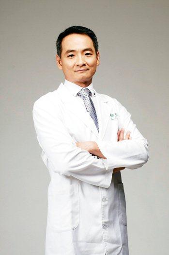 整形外科專科醫師張高榮 圖╱張高榮提供