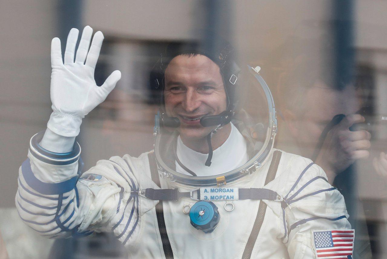 登月50周年當天 美俄太空人同往國際太空站 路透社