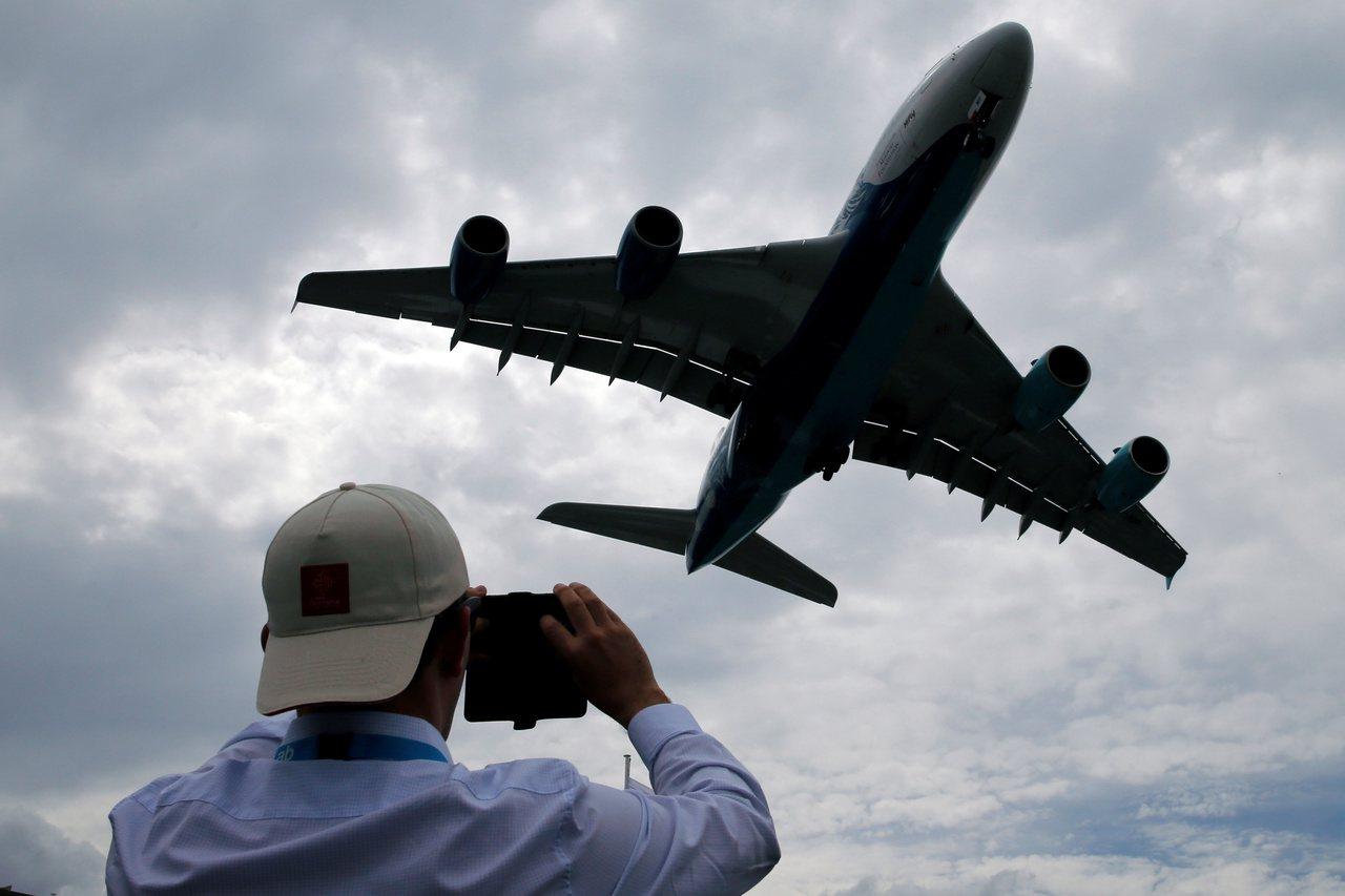 最快今年10月有第三家航空公司以A380型機執飛桃園機場。路透