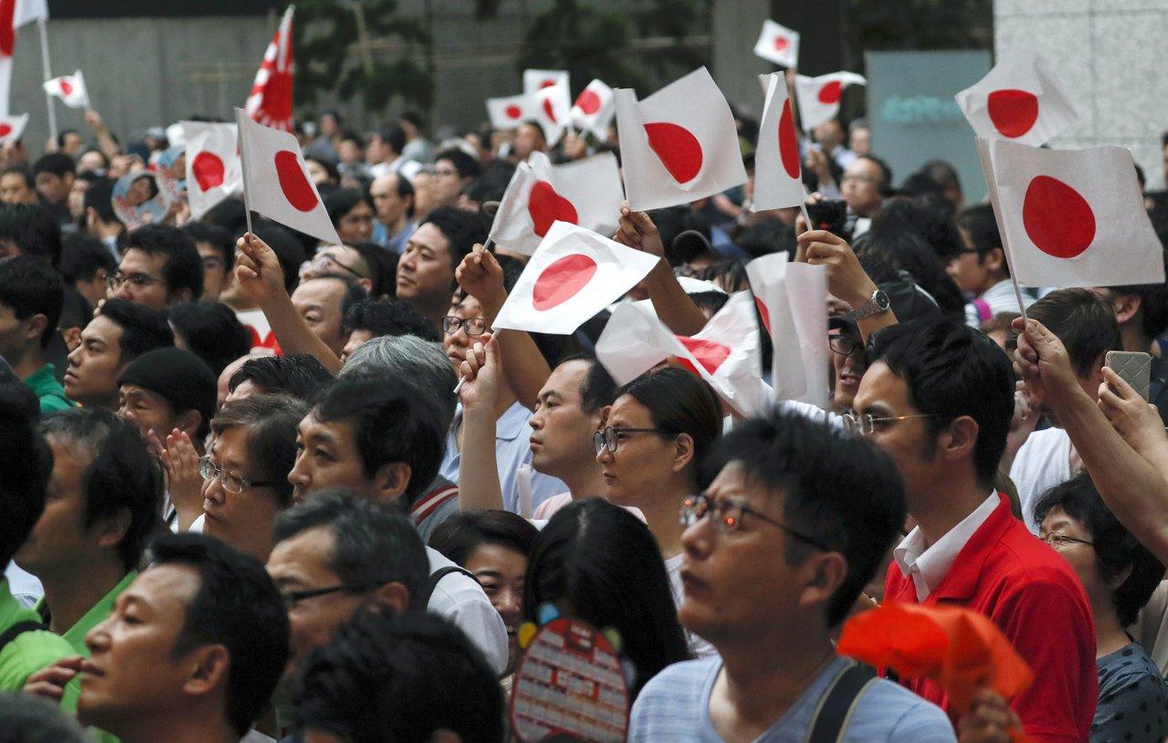 日本21日舉行第25屆議會參院選舉,長期執政的自民黨料能輕鬆勝選。日本將再度成為...