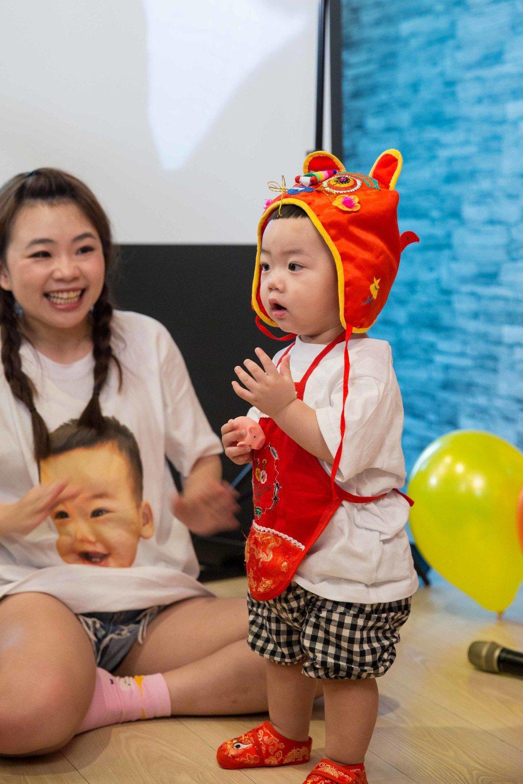 蔡阿嘎兒子蔡桃貴辦周歲生日趴。圖/Money Jump親子餐廳提供
