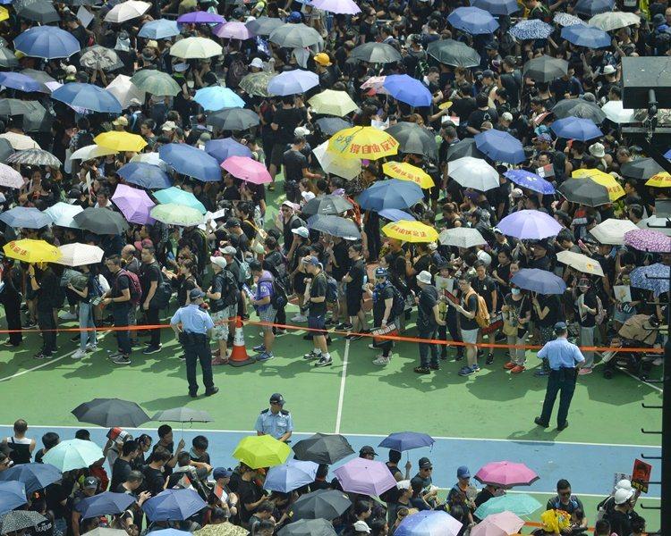 香港民陣再次發起的反對修訂逃犯條例遊行,21日下午3時在維園集合,準備下午3時半...