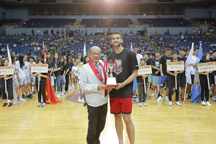 Kobe Paras(右)奪下男子組MVP。圖/人間通訊社提供