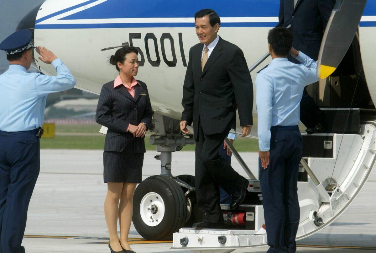 馬英九出訪時,傳有隨扈喝茫騷擾空服員。圖/聯合報系資料照片