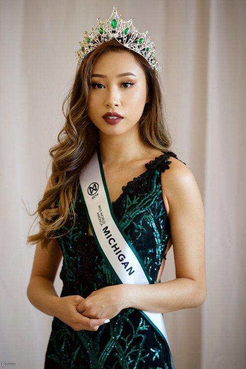 華裔密西根州美國世界小姐朱凱西(Kathy Zhu,譯音)因在社群媒體上發表對於...