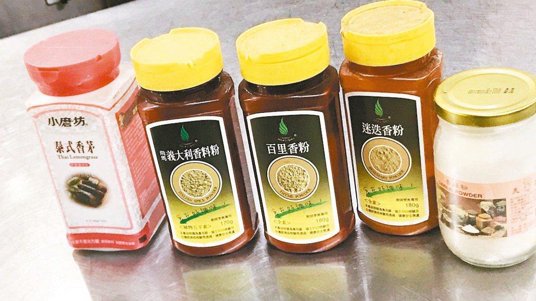 板橋「廣香龍華樓餐廳」使用逾期的麵條和調味料,依食安法遭開罰6萬元。 圖/消保處...