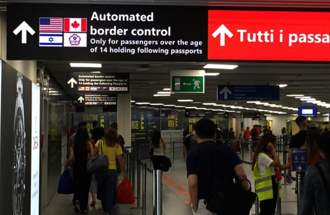 台灣旅客前往義大利達文西國際機場及錢皮諾機場,皆可自動通關出入境。圖/華航提供