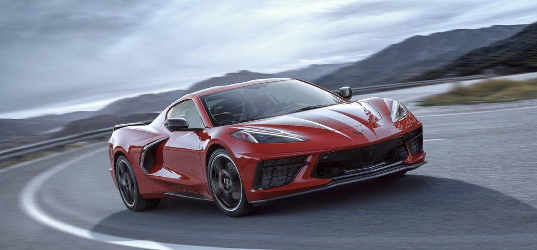 Corvette從長車頭短車尾的美式精神,搖身一變成為歐風的中置跑車。 摘自Ch...