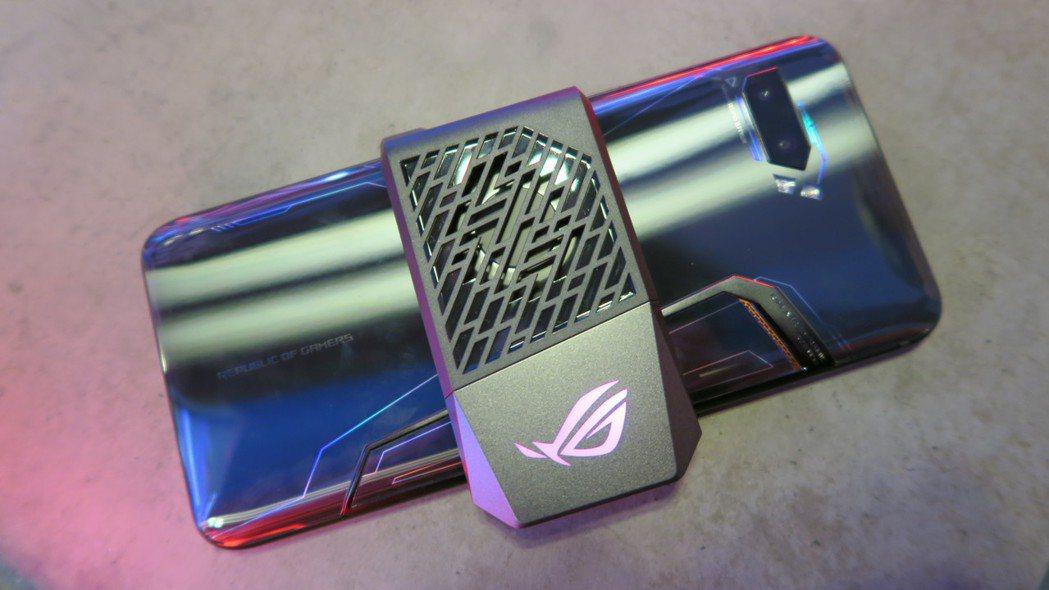 AeroActive Cooler II散熱、噪音效果更勝前一代。 彭子豪/攝影