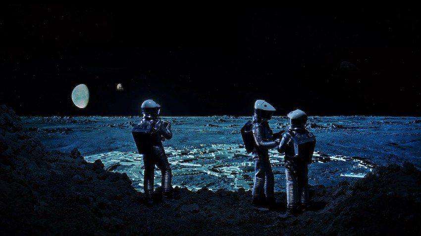 遠望山下的月球城市