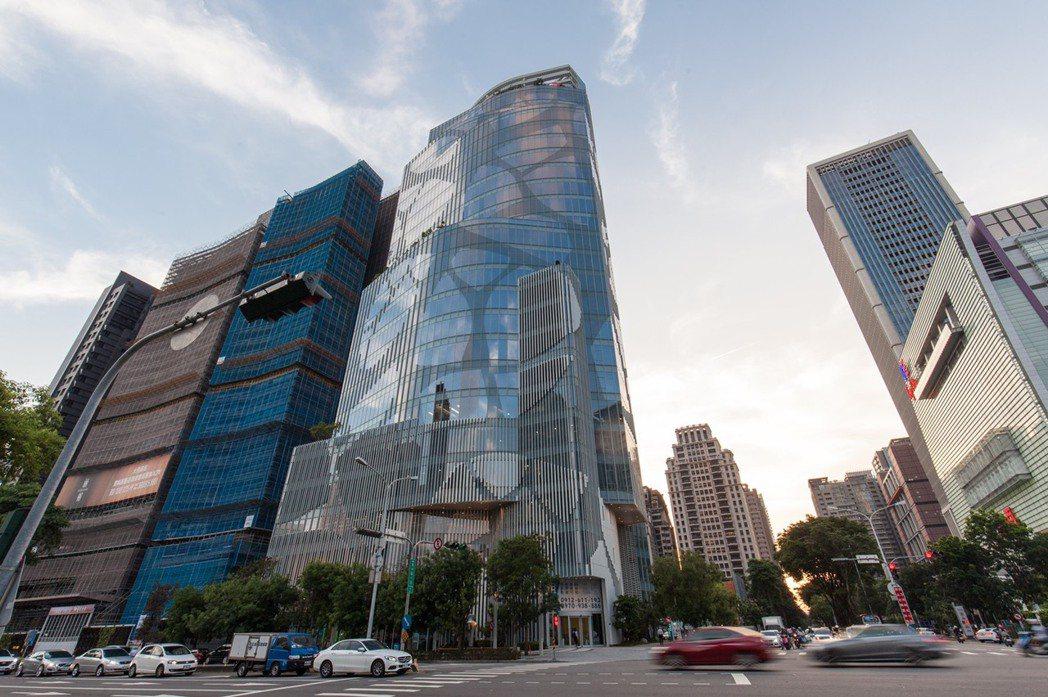 「中信金控台中金融大樓」短短6個月時間進駐率便超過五成。圖/高力國際提供