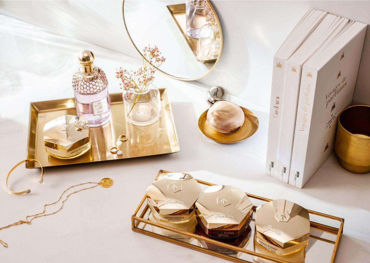 嬌蘭8月1日推出四款全新一代皇家蜂王乳系列乳霜。圖/嬌蘭提供
