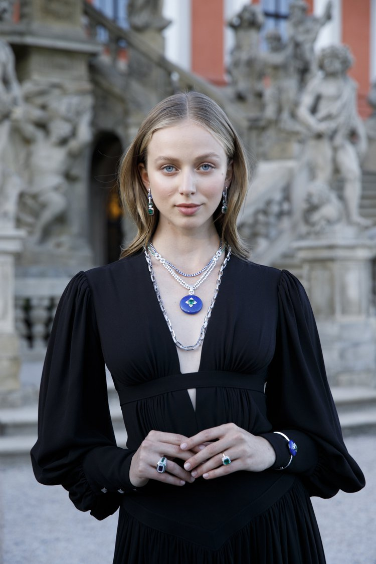 中世紀護身符,也是Riders of the Knights系列高級珠寶的靈感之...