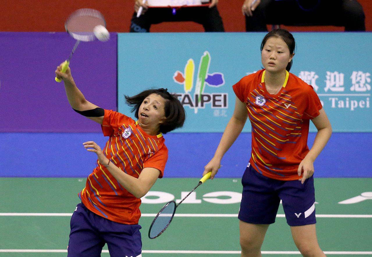 沈彥汝(右)和范榮玉打下女雙金牌。記者余承翰/攝影