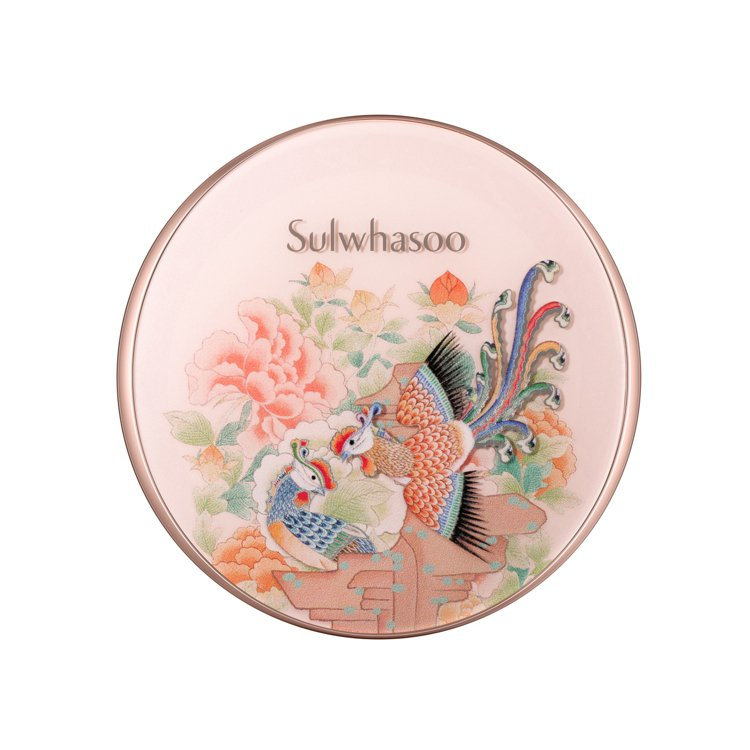 雪花秀 完美瓷肌氣墊粉餅共3色/售價2,080元。圖/雪花秀提供