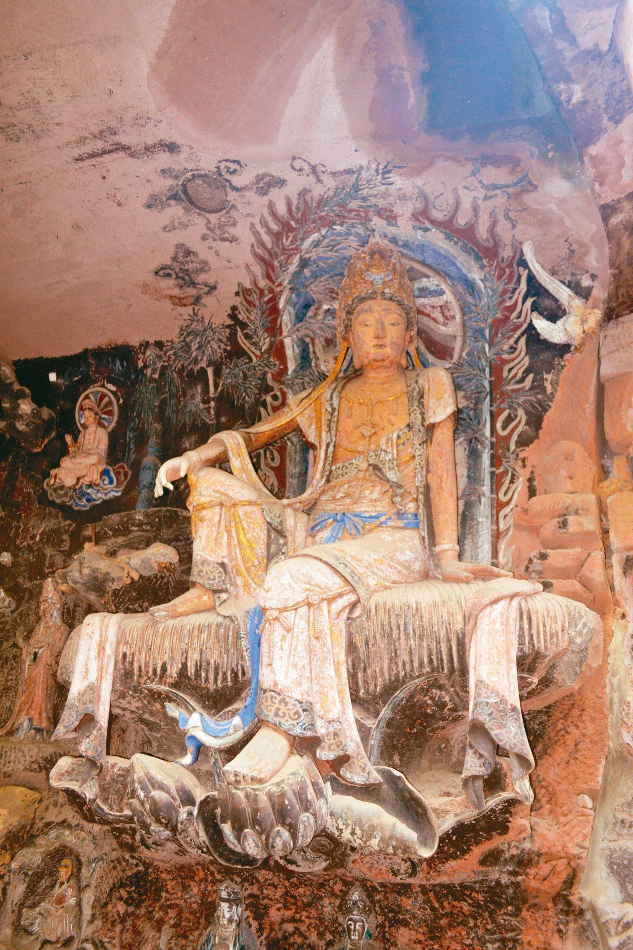 毗盧洞擁有絕美「水月觀音」雕塑,又稱「東方的維納斯」。 特派員王玉燕/攝影