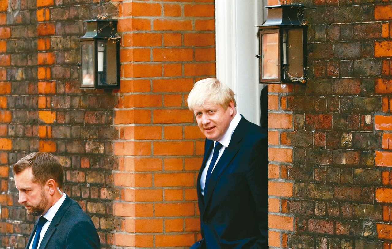 英國前外相強生篤定出任英國首相。 路透
