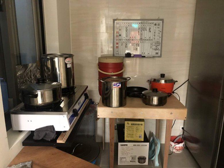 店內備餐用的煮食空間。 圖/right plus提供