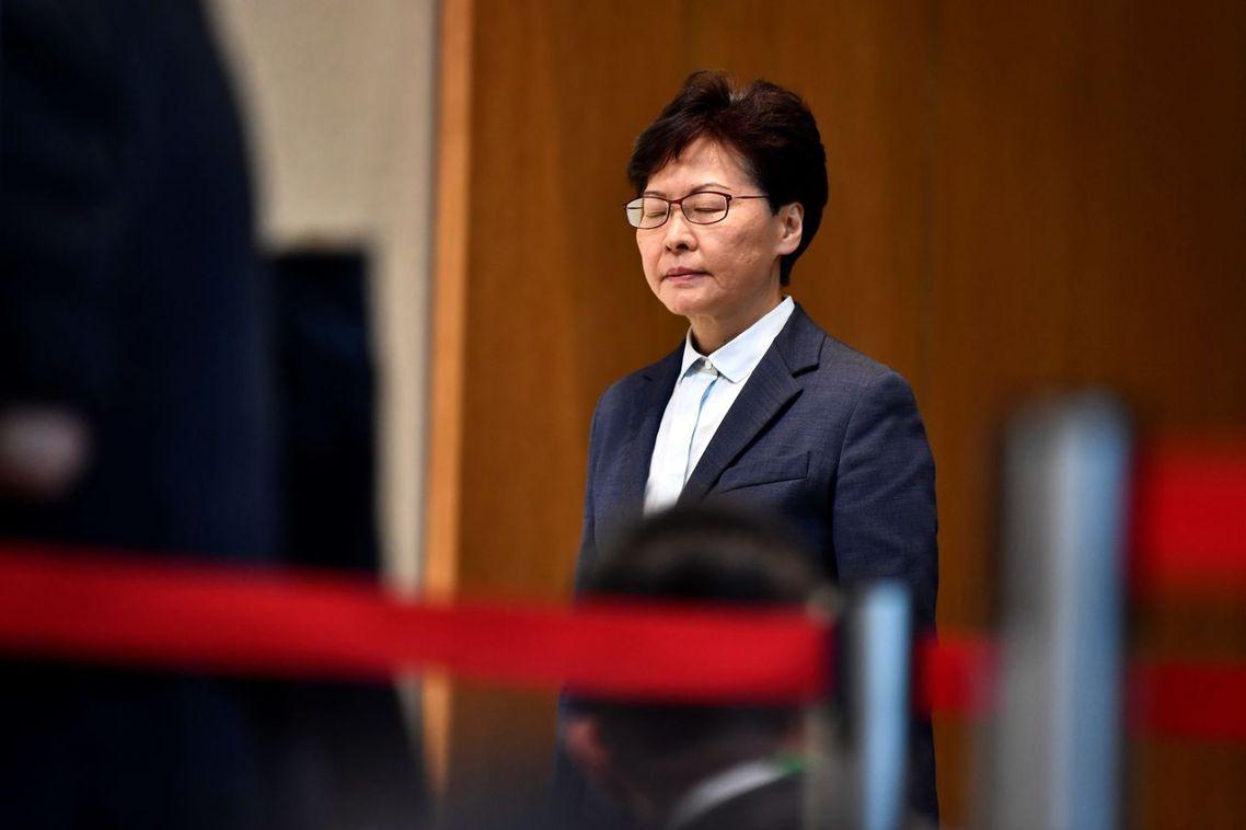 香港特首林鄭月娥周一下午也代表港府發言。言談中,林鄭月娥雖指元朗案為「令人震驚的...