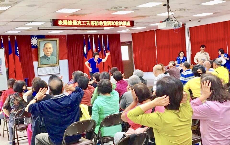 陳采瑩說,台灣估計有超過28萬的失智者,相當於彰化市的人口,我們應從家庭關係開始...