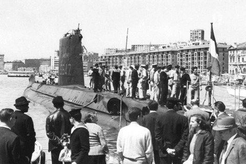「智慧女神號」是法國海軍於1960年代前後所生產的柴電驅動潛艦,為「達芙尼系列潛...