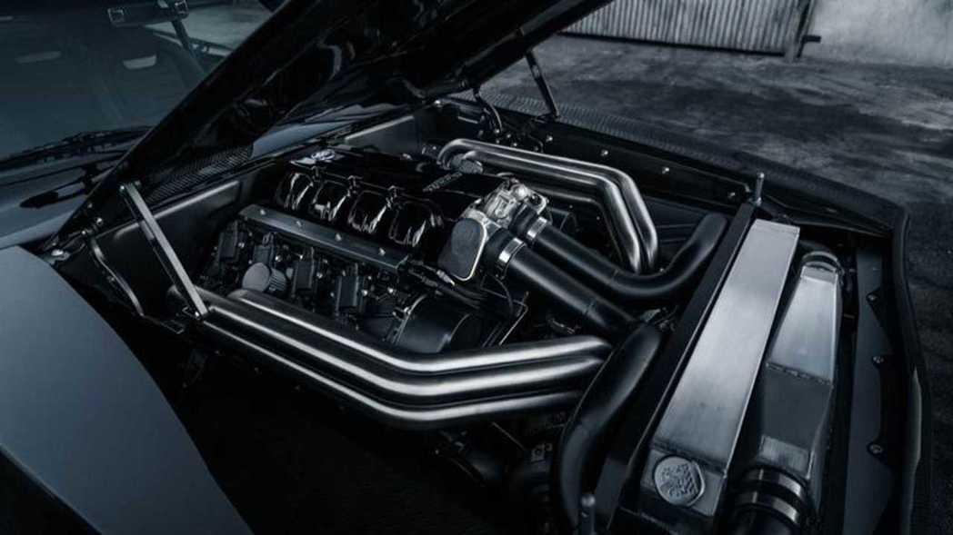 9.0升Mercury Racing V8雙渦輪增壓引擎,馬力高達1650匹。 ...