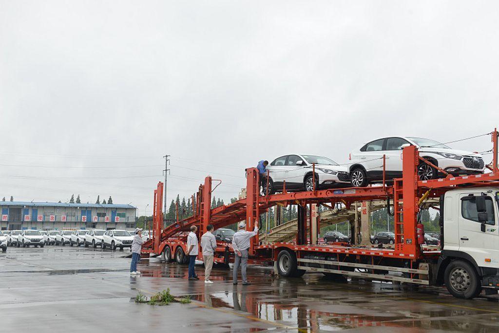 東風裕隆納智捷在第一階段就生產666輛U5 EV電動車並隨即運往各地。 圖/Lu...