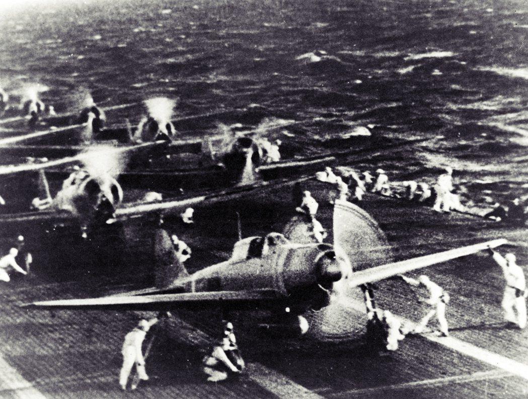 二戰期間日本的陸海軍開發出不少經典的軍用機,包括三菱的零式艦上戰鬥機。 圖/維基...