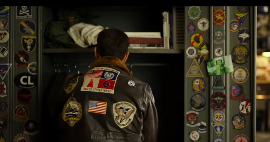 《捍衛戰士:獨行俠》美國男星湯姆克魯斯皮外套沒了台灣、日本國旗。(photo b...