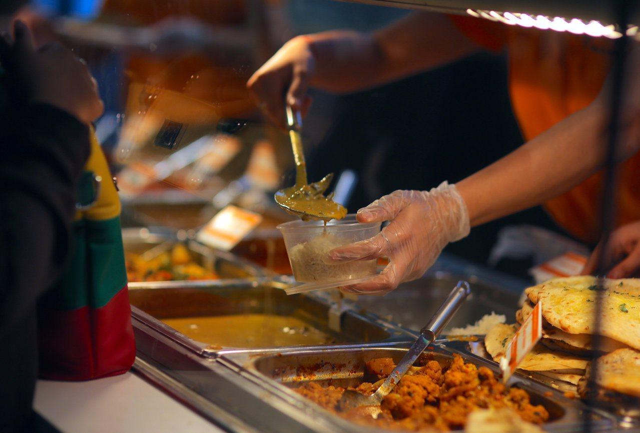 2018年從餐廳及旅館離職的美國人超過750萬人,為美國勞工統計局2001年開始...