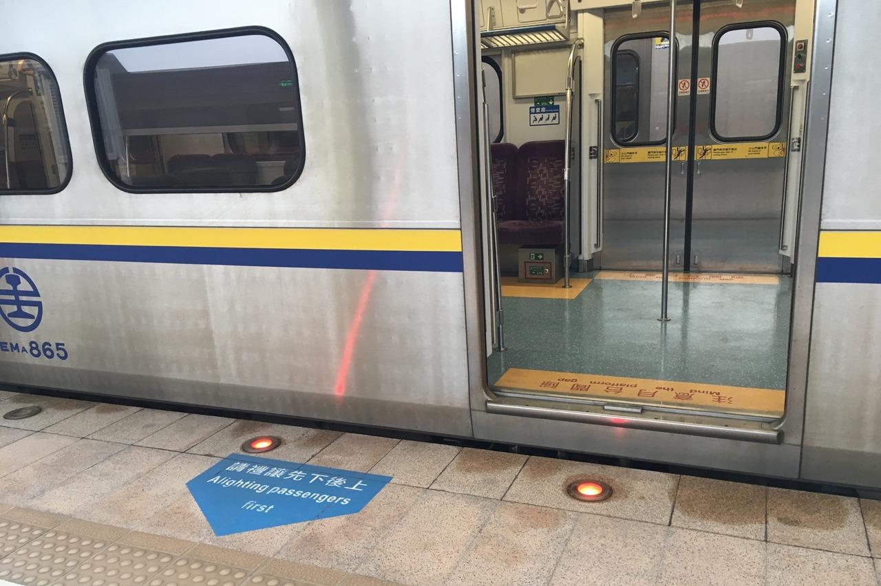 台灣人搭火車不排隊的原因 一張圖告訴你