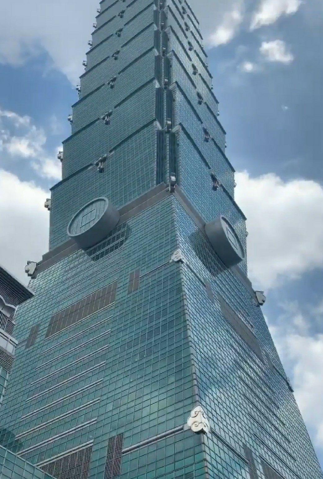 勞動處處長江明志表示,目前除了要查明吊籠發生意外的原因之外,是否有相關管理上的安...