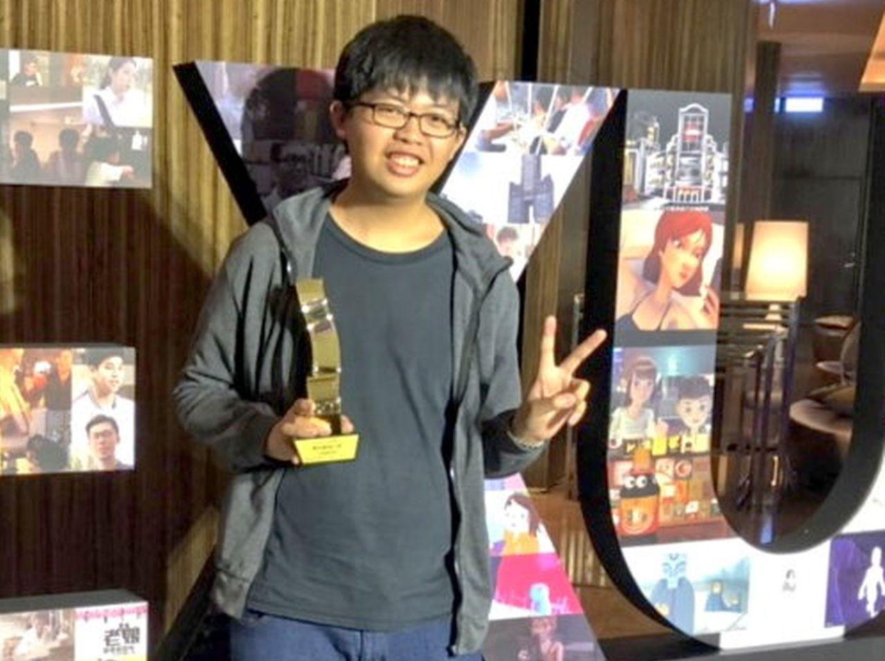 男大生許聖宗內心住著電影魂,二年拍三片, 終於拿獎。記者王昭月/攝影