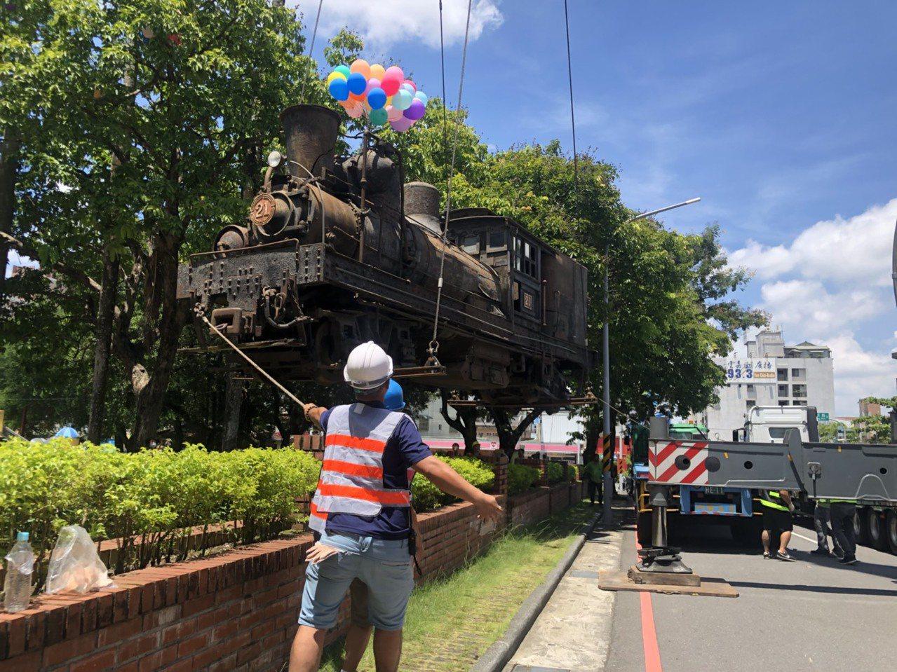 SL-21號蒸汽火車將調至北門車站,未來將以1200萬元修復。記者李承穎/攝影