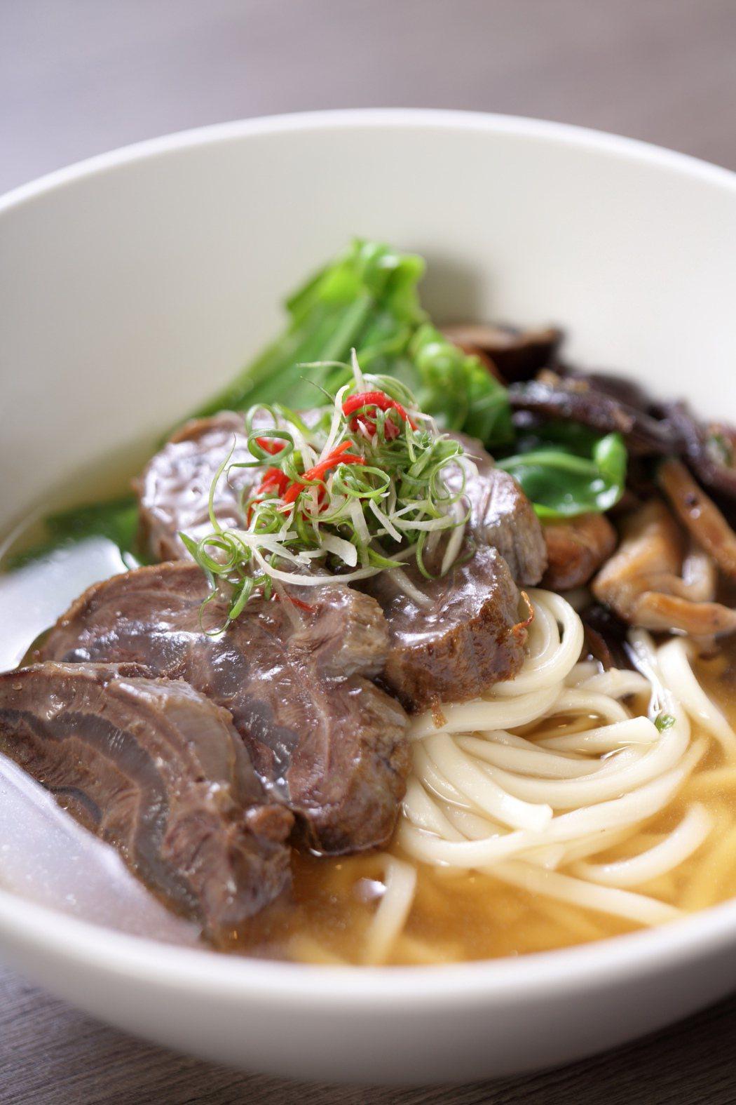 冠軍清燉牛肉麵。 圖/晶華酒店提供