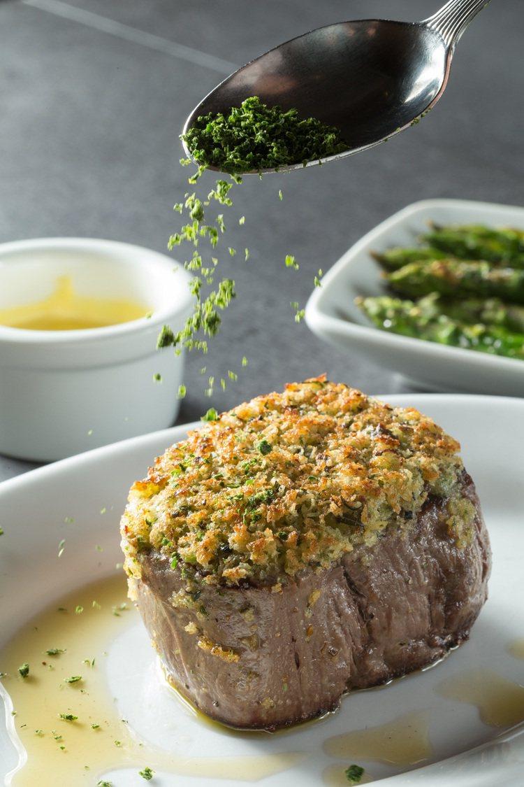 香酥松露菲力牛排是由美國引進的口味。圖/茹絲葵經典牛排館提供